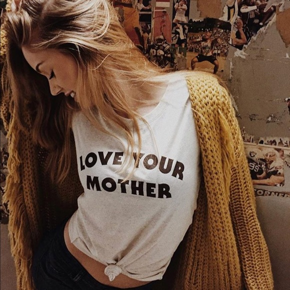 3c595200c The Bee and the Fox Tops | 1hrsalebee The Fox Love Your Mother Tee ...